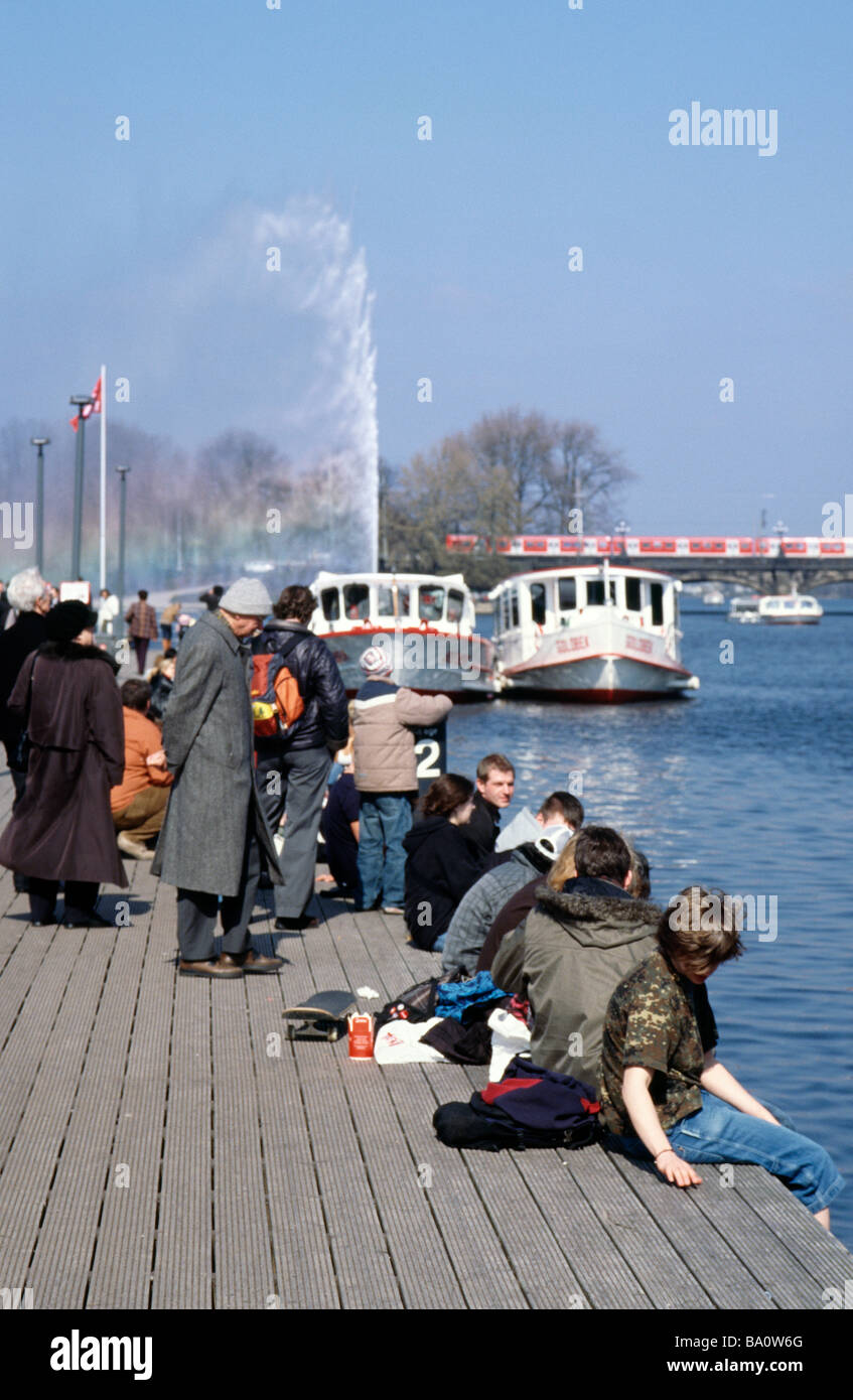 April 2, 2009 - Locals and tourists alike enjoy the first warm day of spring in the German city of Hamburg. Stock Photo