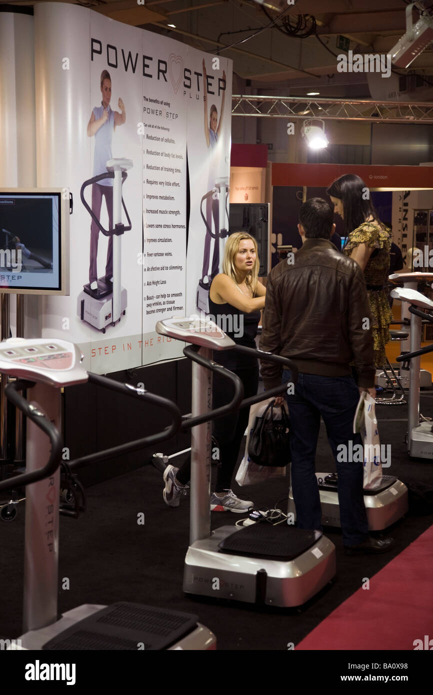 Stand displaying exercise equipment, based on shaking the