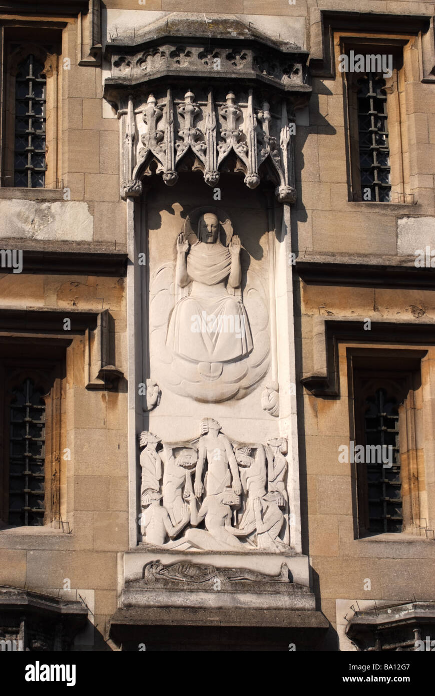 Statue of Christ in niche of All Soul's College, Oxford, England - Stock Image