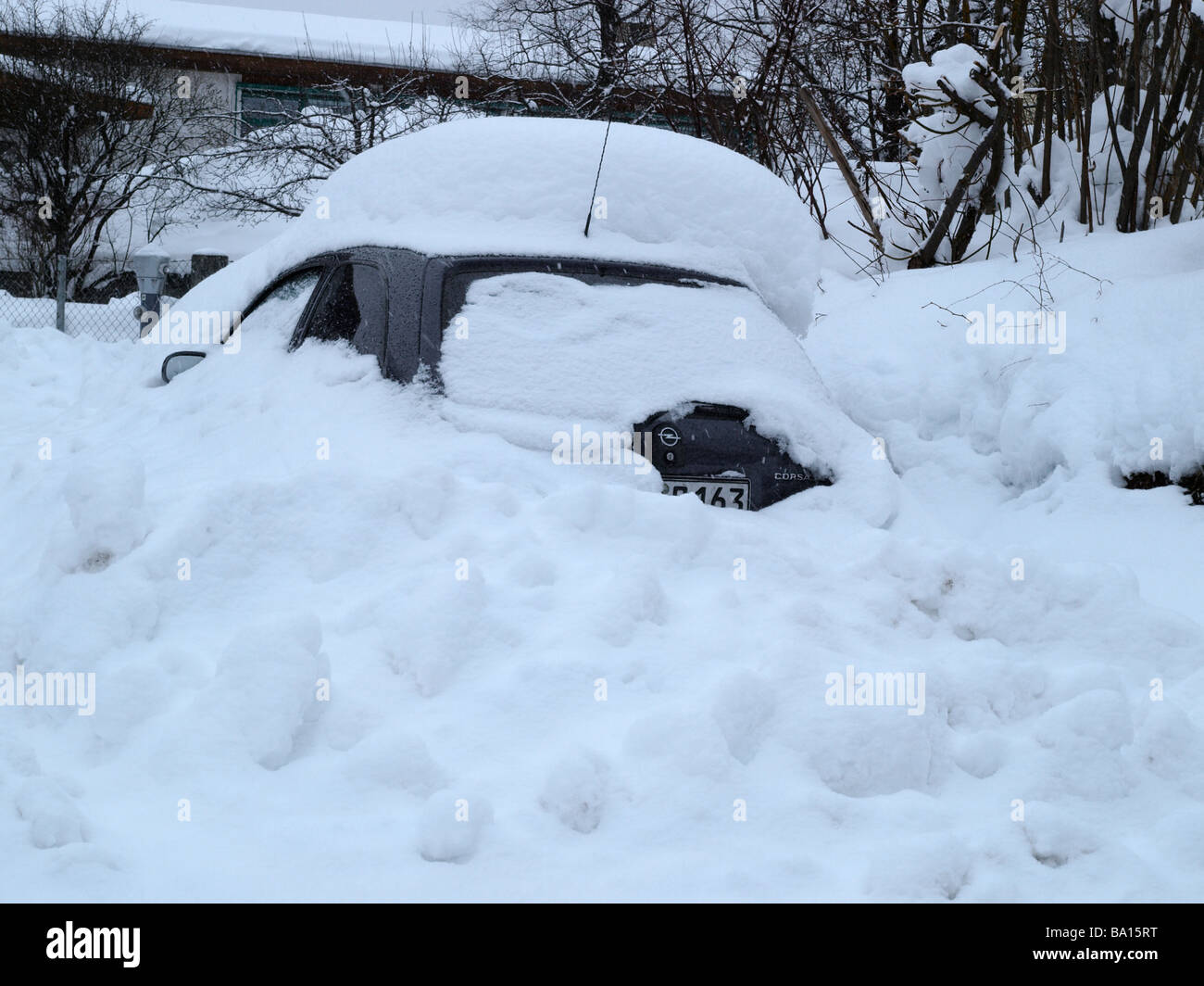 Car drowned in snowdrift - Stock Image