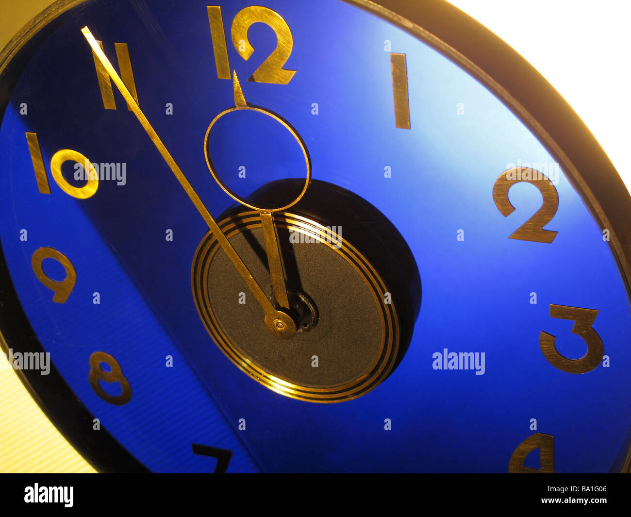 Pointer five manage detail admission one clock twelve symbolism in copied to leg going stock exchang Fuenf vor Zwoelf - Stock Image