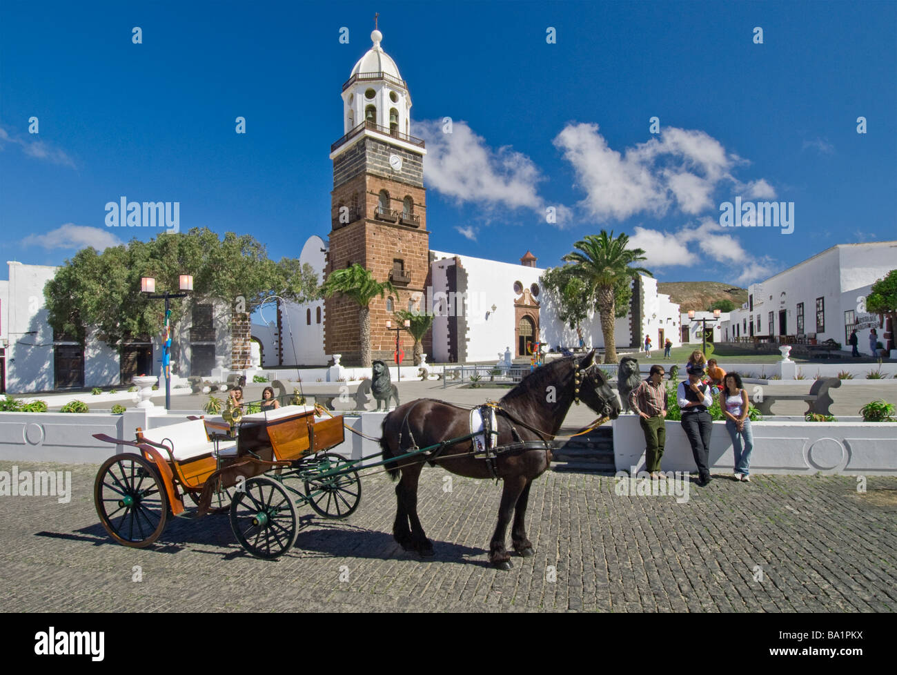 Typical traditional horse and carriage standing in the main square of old Teguise town Lanzarote Canary Islands - Stock Image