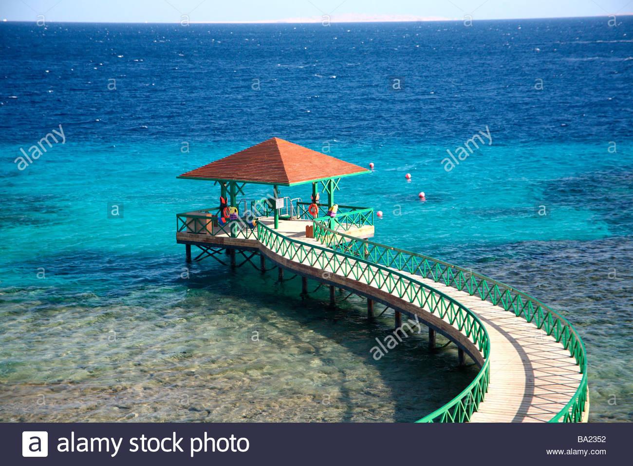 Oberoi hotel sahl hasheesh diving wharf red sea coast of egypt stock photo 23403326 alamy - Dive inn resort egypt ...