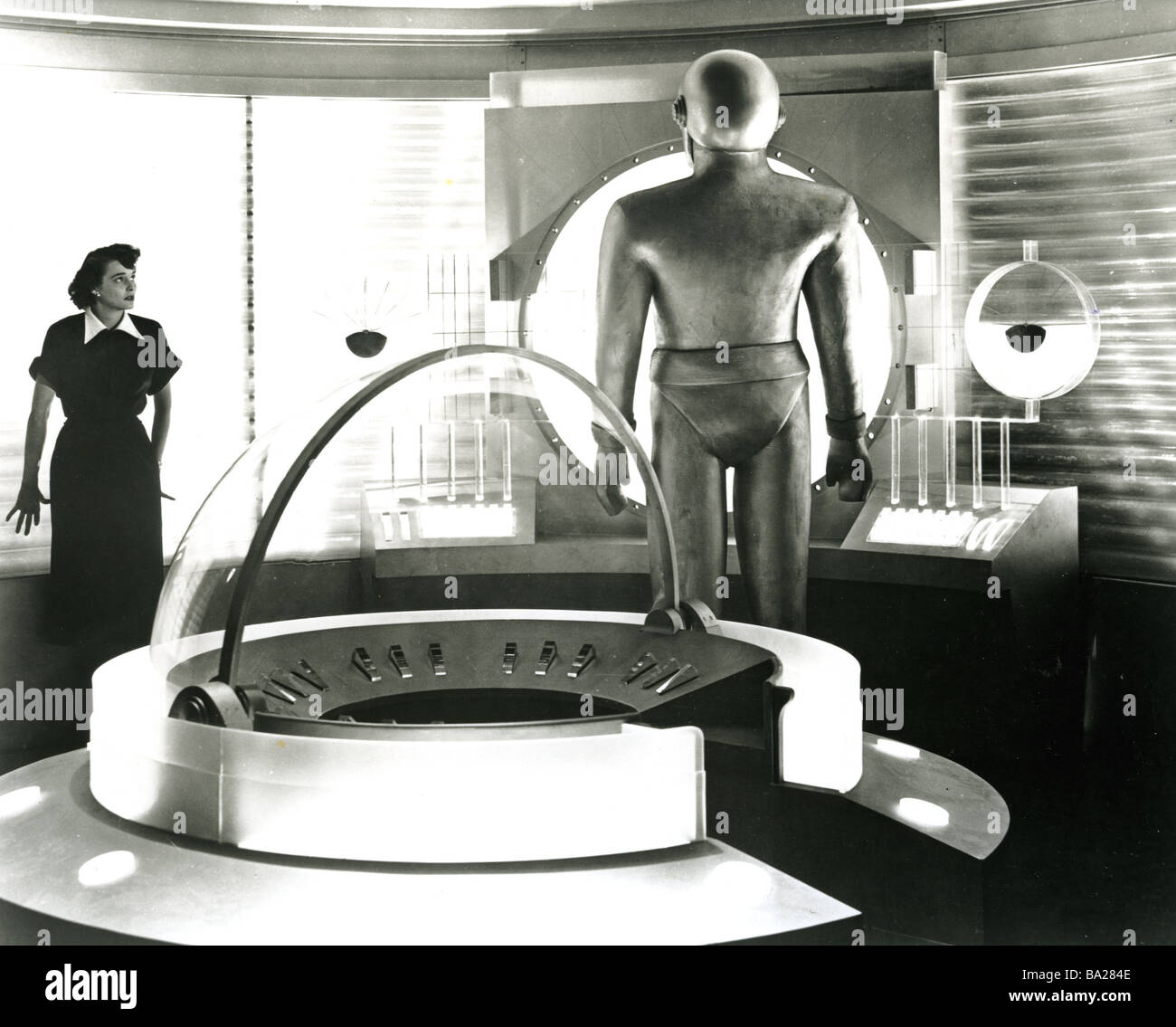 the day the earth stood still 1951 analysis