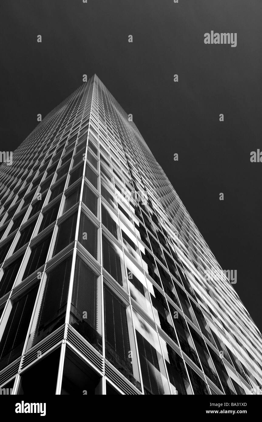 Office-high-rise facade detail from below s/w high-rise office buildings high-rise-facade windows architecture conformity - Stock Image