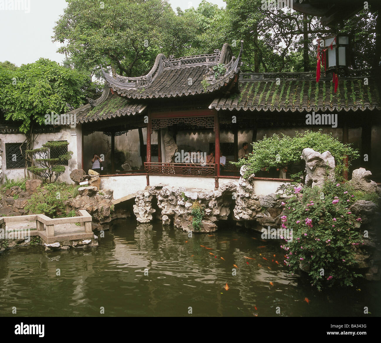 China province Jiangsu Suzhou Lingering guards grounds buildings ...