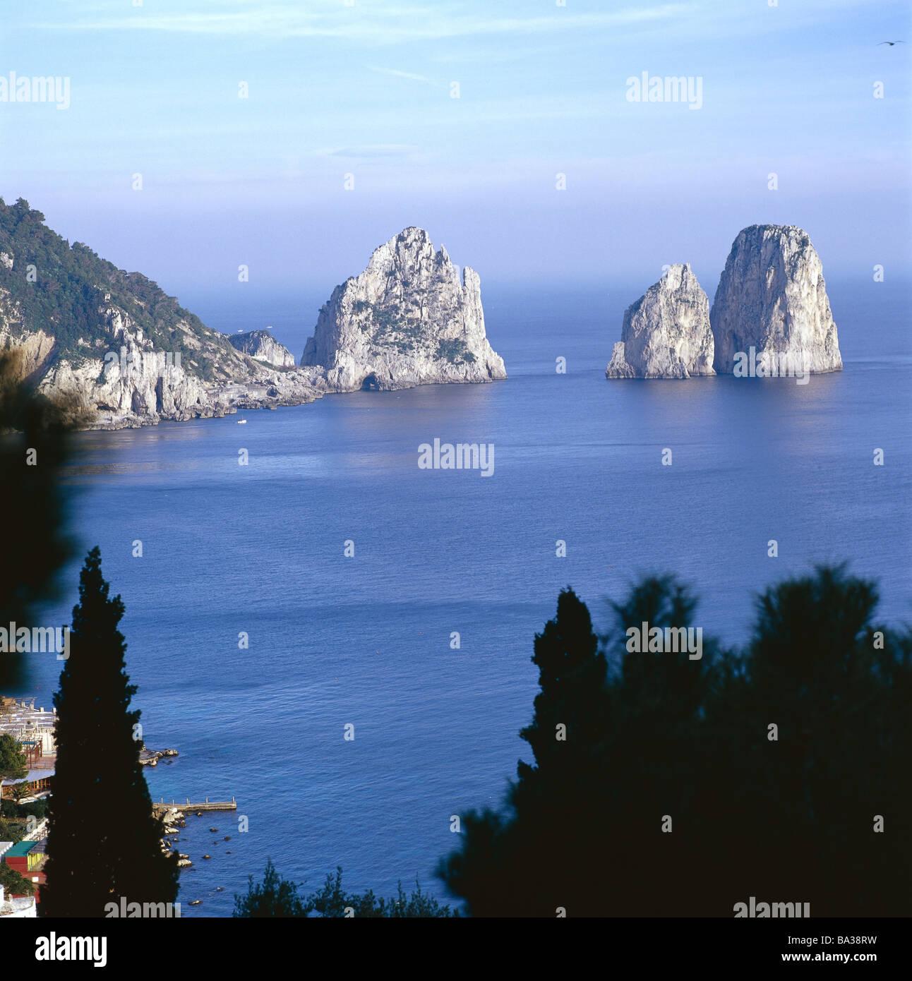 5 Most Popular Honeymoon Destinations | BridalGuide |Capri Italy Golf
