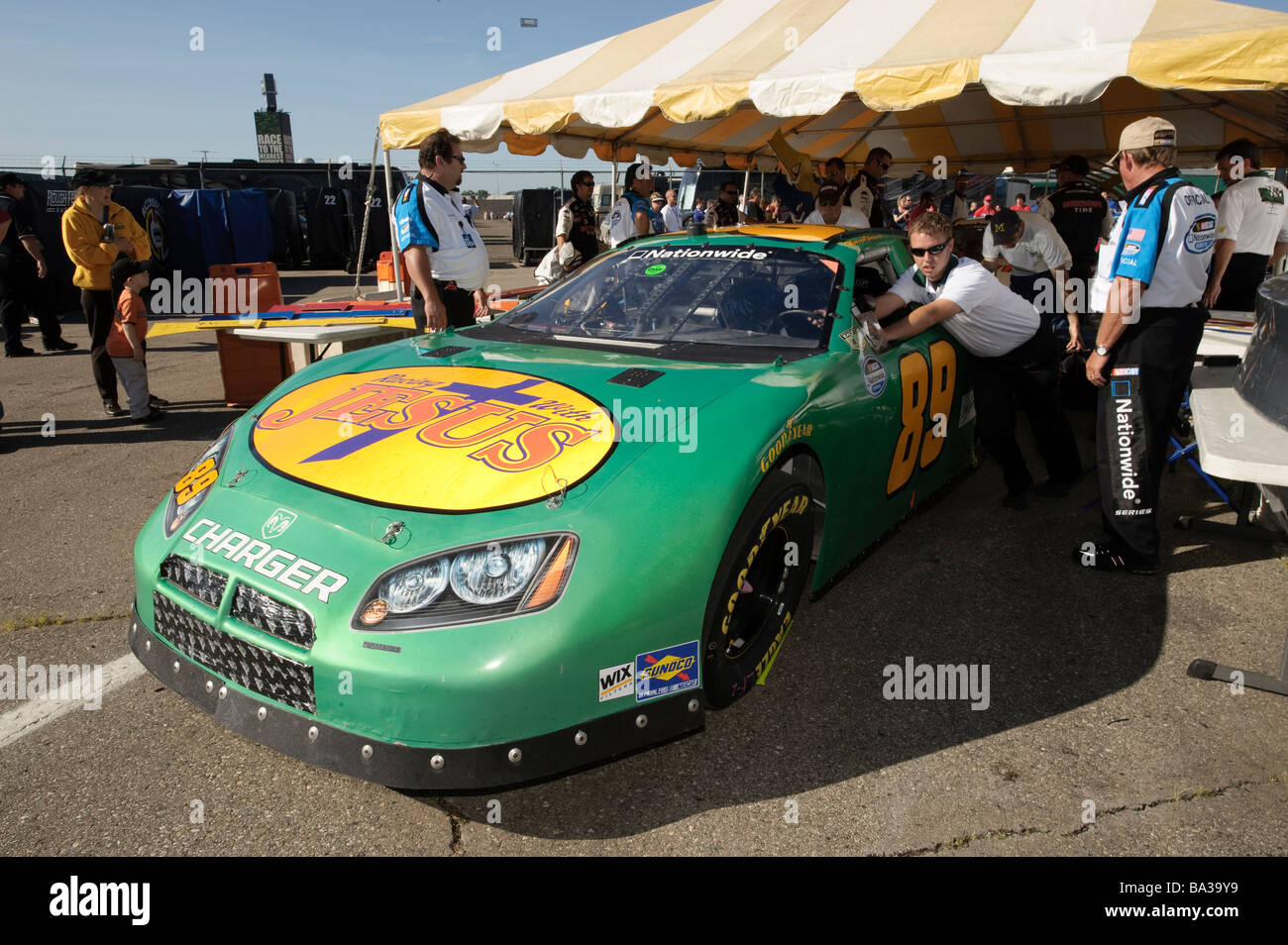 Morgan Shepherd S Racing With Jesus Dodge Charger Nascar Nationwide