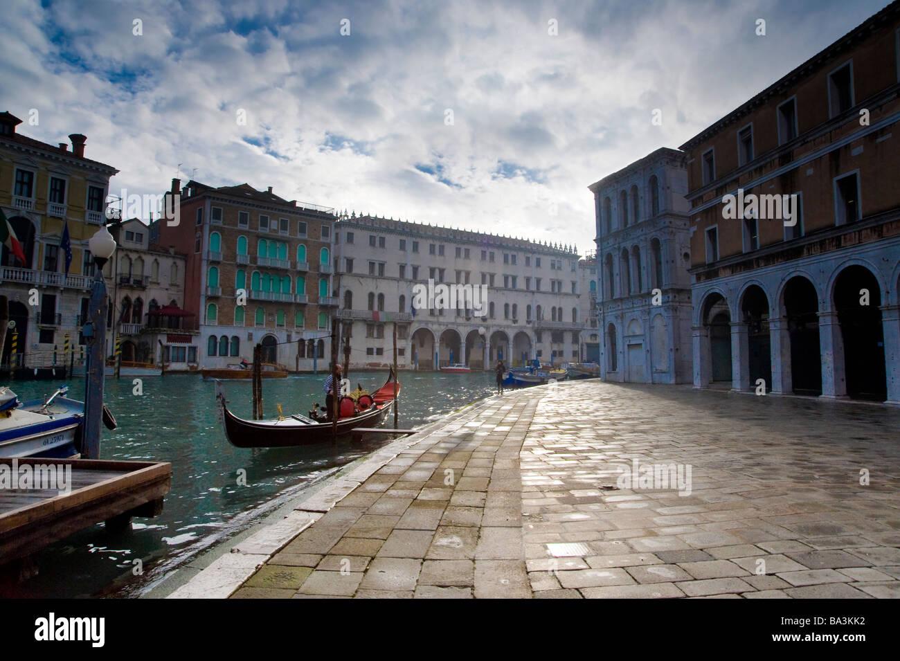 Campo San Giancomo di Rialto, Rialto, San Polo, Venice, Italy. - Stock Image