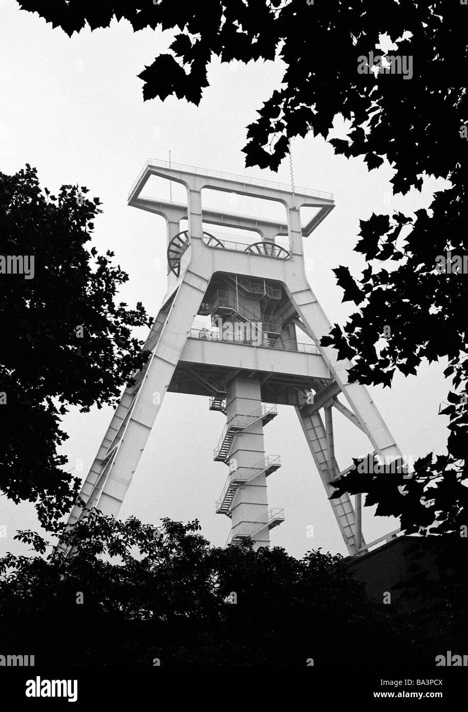 Siebziger Jahre, Wirtschaft, Steinkohlenbergbau, Bergbau-Museum, Foerderturm der ehemaligen Zeche Germania in Dortmund - Stock Image