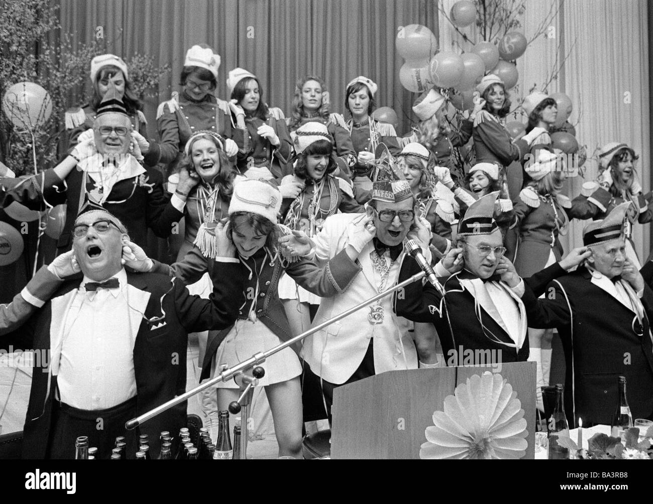 Seventies, black and white photo, people, Rhenish carnival, ElferRat and the dancing group sway to the music - Stock Image