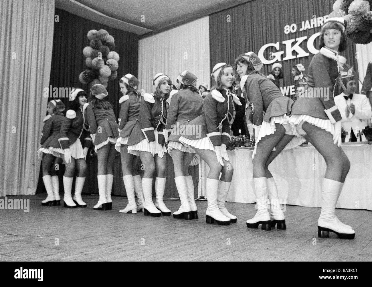 Seventies, black and white photo, people, Rhenish carnival, dancing group in costumes, girls, aged 20 to 25 years - Stock Image