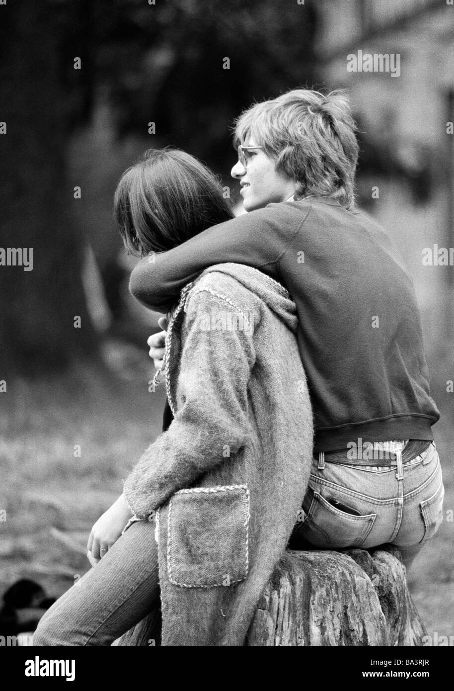 Eighties, black and white photo, people, young couple, aged 17 to 20 years - Stock Image