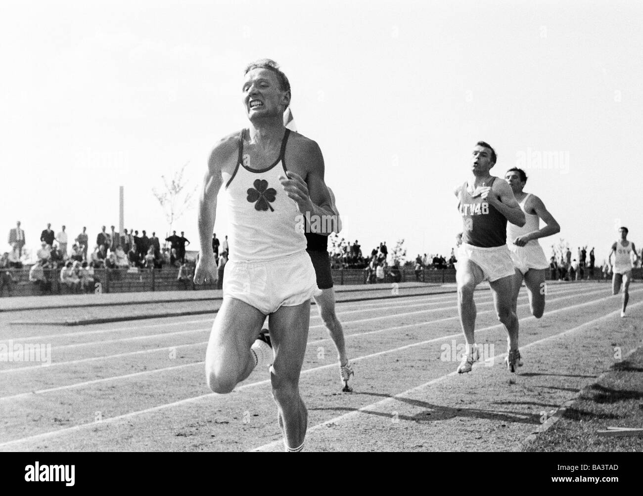 Sixties, black and white photo, sports, Athletics, sports meeting 1965 in Gelsenkirchen-Buer, track racing, Middle - Stock Image