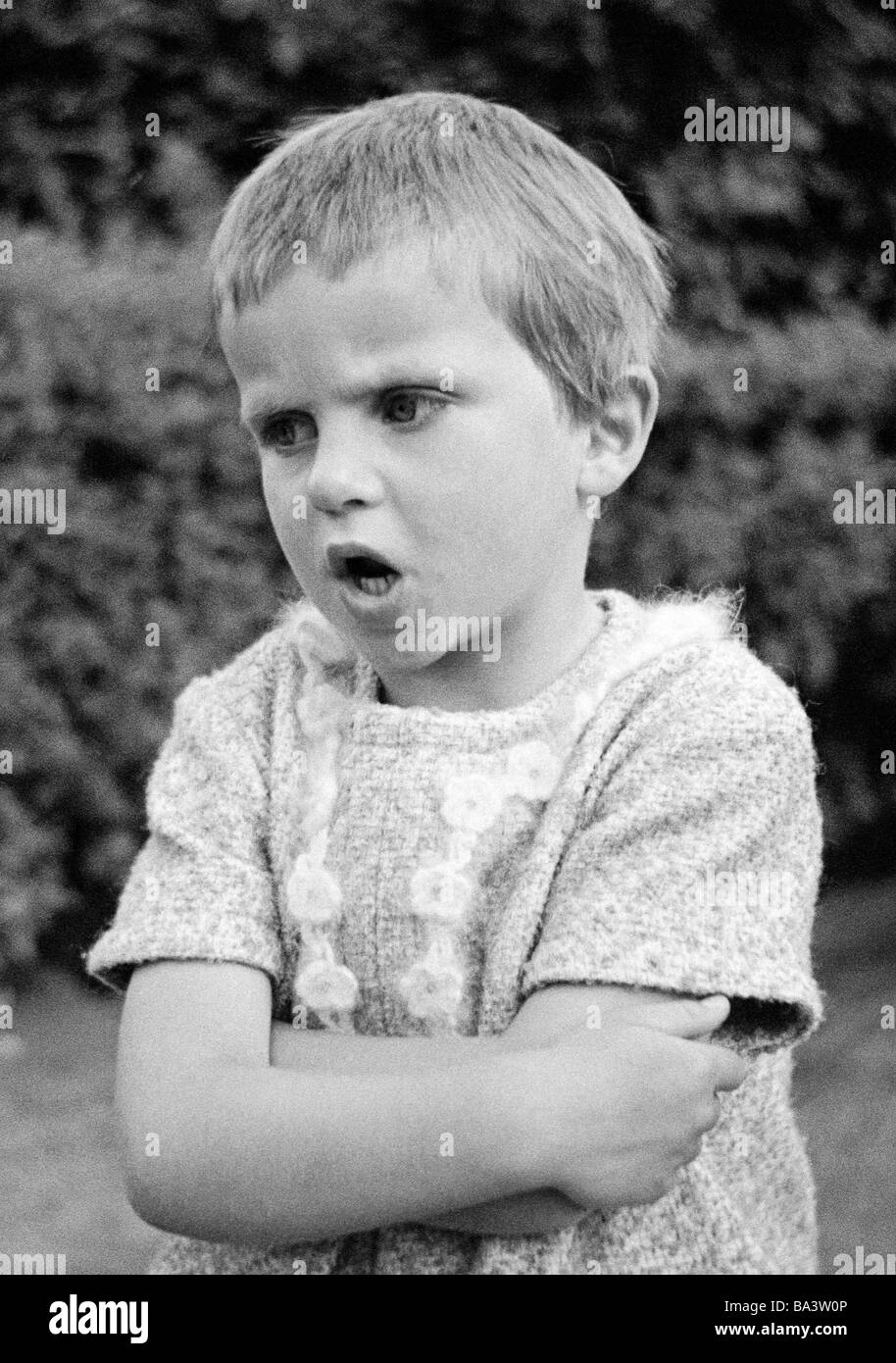 Sixties, black and white photo, people, children, little girl is annoyed and rails, aged 4 to 6 years, Birgit Stock Photo