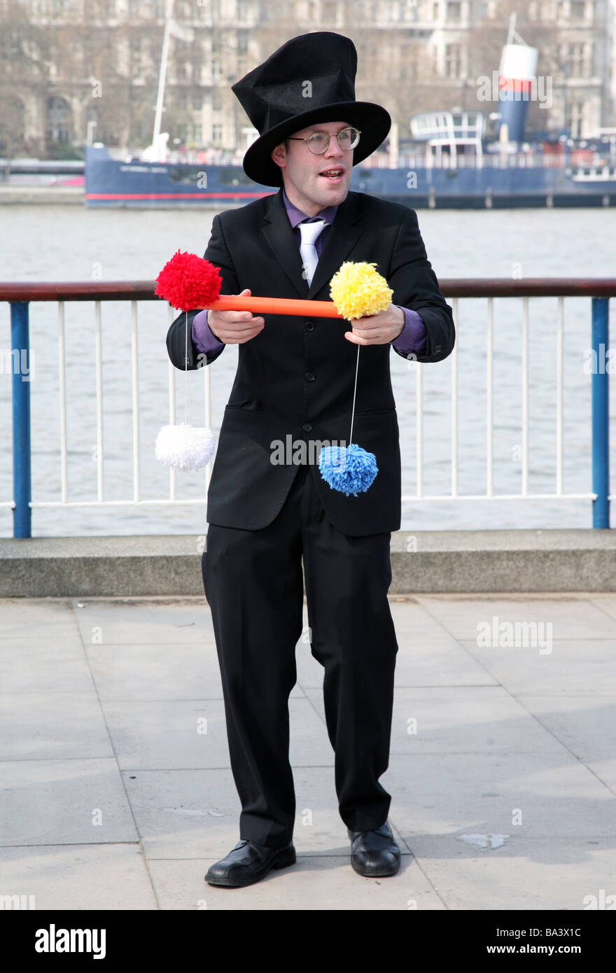 Street performer, South Bank, London - Stock Image