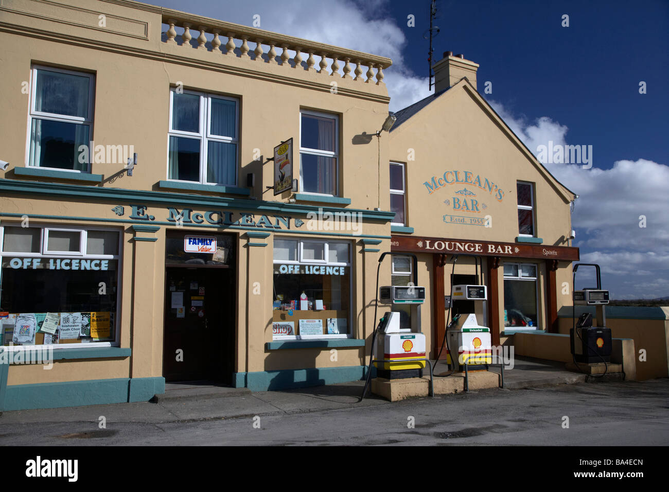 mccleans combined bar shop petrol station in malin inishowen county donegal republic of ireland - Stock Image