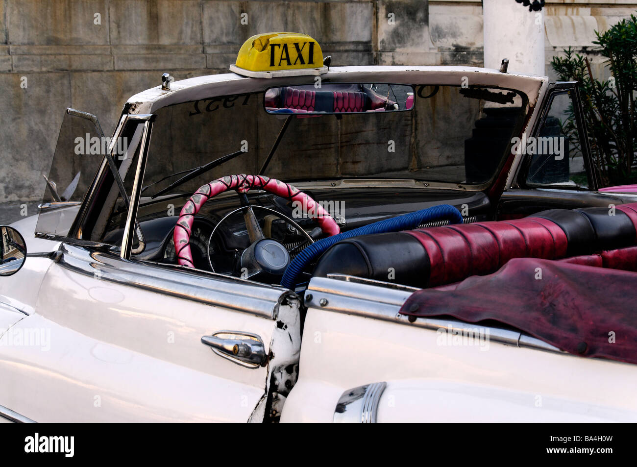 Open top taxi, Havana, Cuba - Stock Image