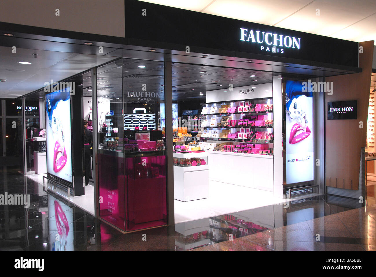 Fauchon shop, Hong Kong airport - Stock Image