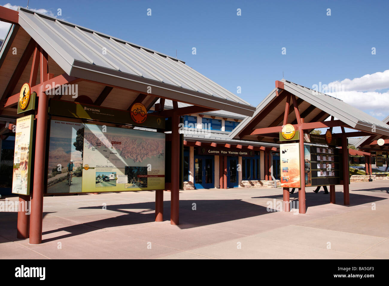 canyon view information plaza with the entrance to the visitors center behind grand canyon south rim national park Stock Photo