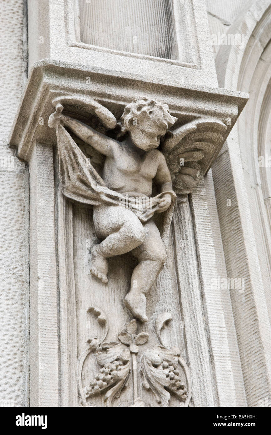 Architectural detail of an angel on the facade of a building on the Upper West Side of Manhattan - Stock Image