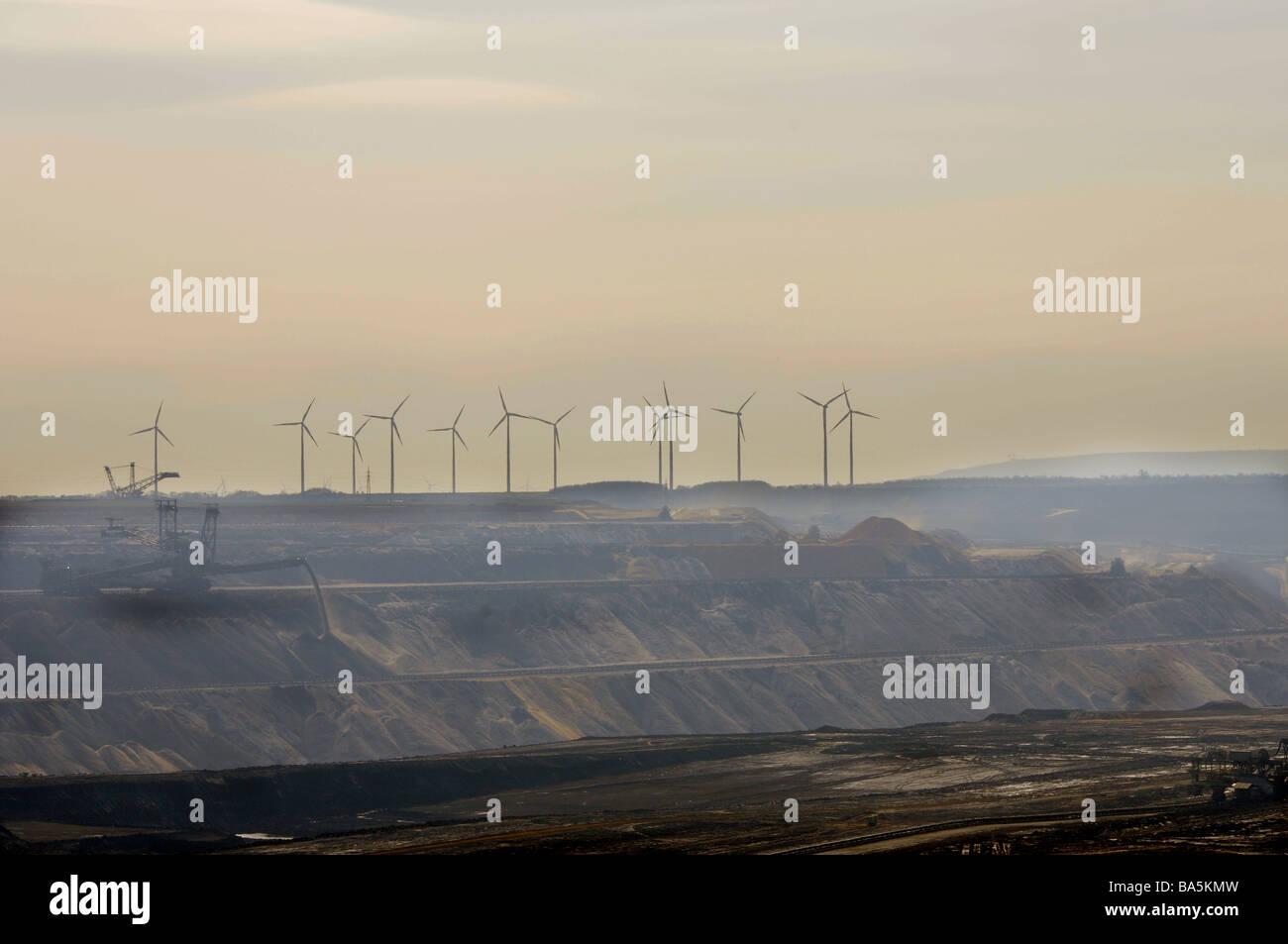 Garzweiler, in the background wind mills - Stock Image