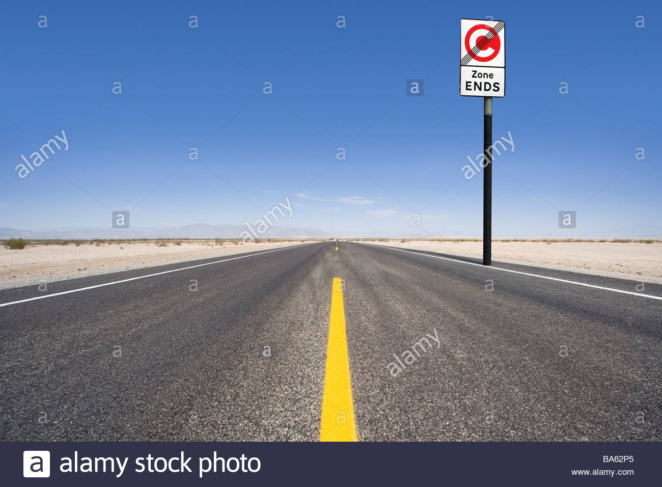 Congestion charge road sign along remote road - Stock Image