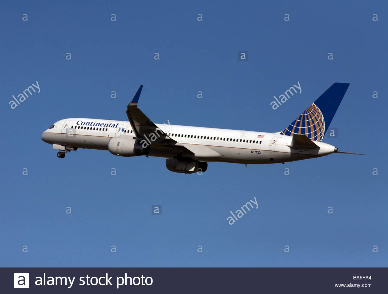 Continental airlines Boeing 757 flight shortly after takeoff Stock Photo