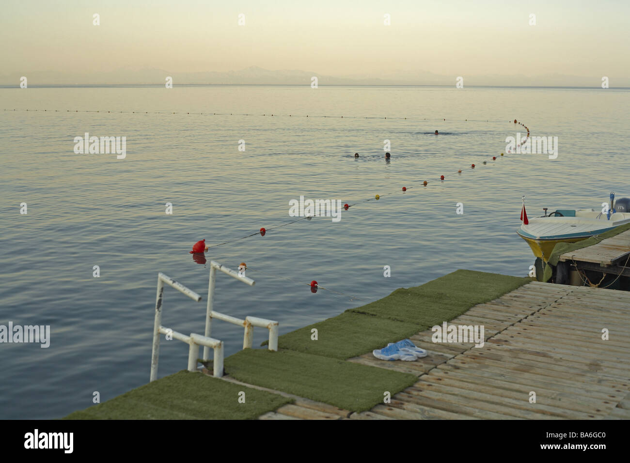 Turkey Kemer bath-bridge sea swimmers morning-mood Mediterranean coast bridge wood-bridge Anlegeste water closing - Stock Image