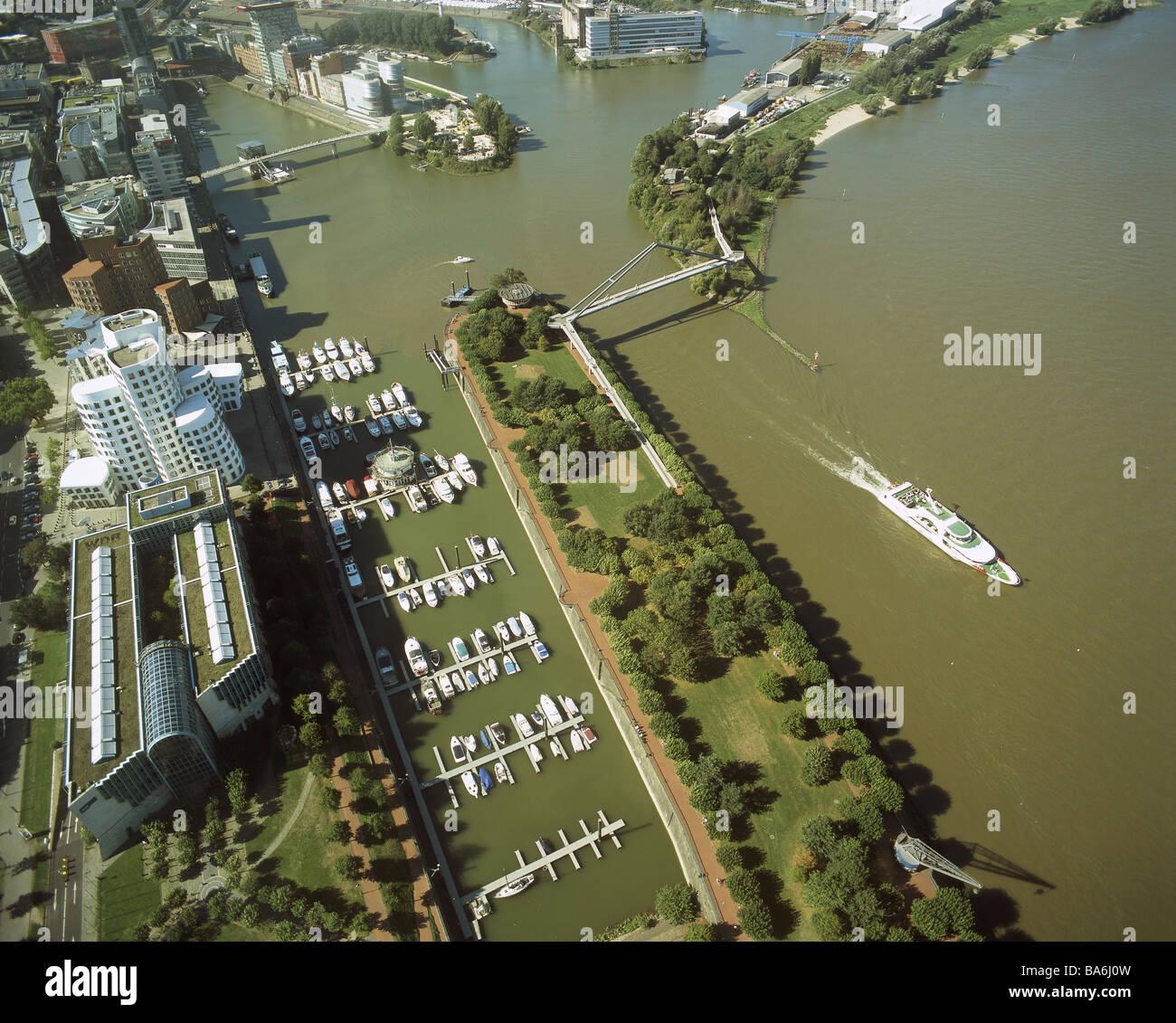 City Düsseldorf River Rhine Overview Stock Photos & City Düsseldorf ...