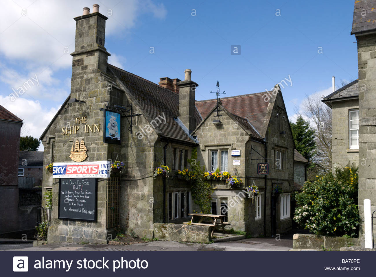 View of The Ship Inn  at Shaftesbury, Dorset, England, UK - Stock Image
