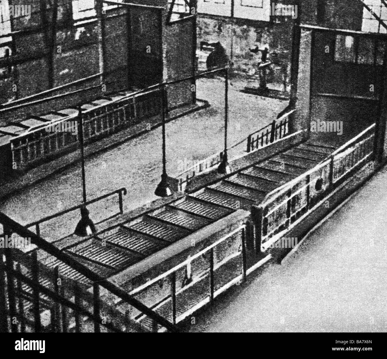 events, Great Depression 1929 - 1933, belt conveyor in a closed factory, circa 1930, empty, 20th century, historic, - Stock Image