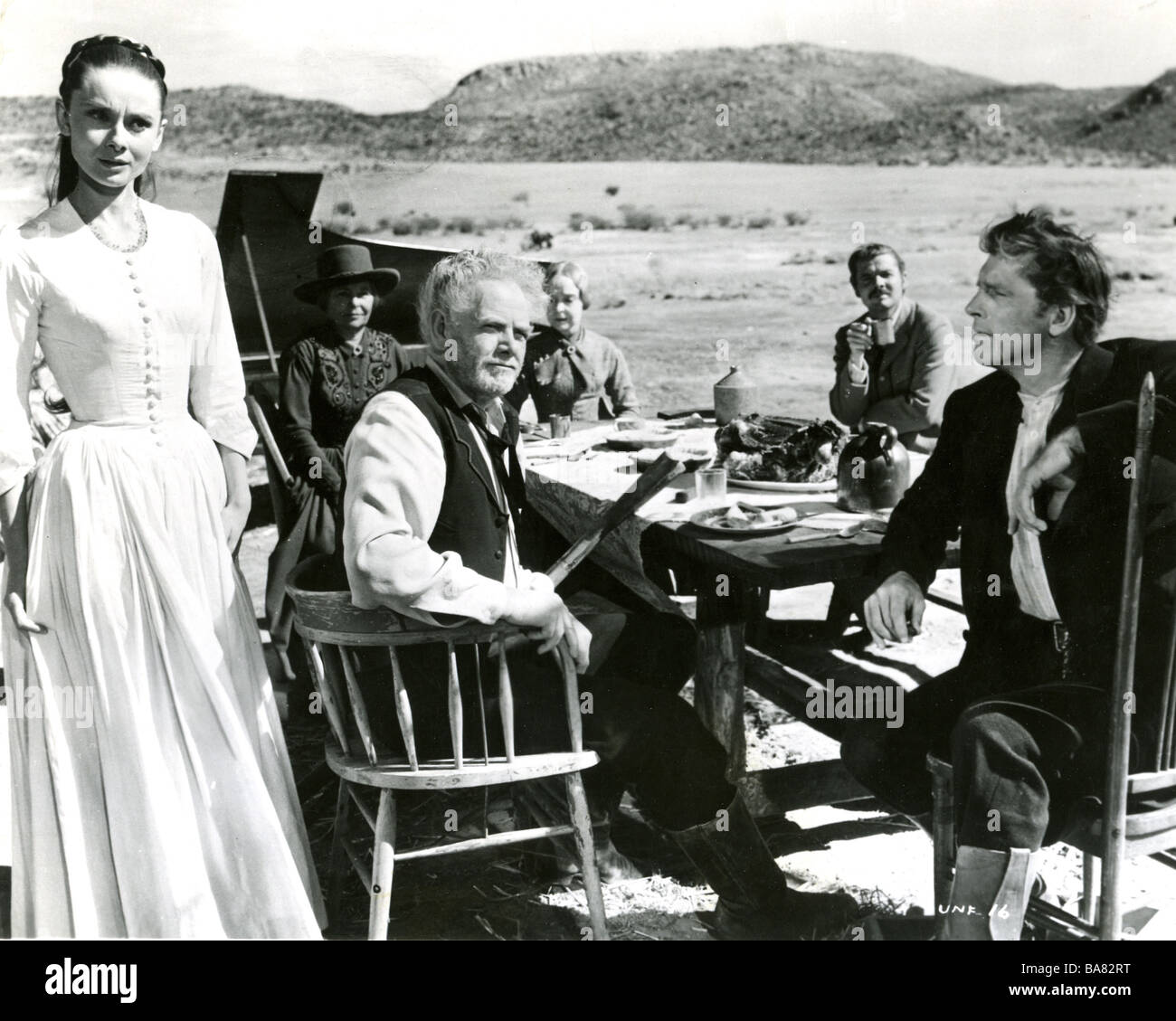 THE UNFORGIVEN 1960 UA film with Audrey Hepburn and Burt Lancaster at right - Stock Image