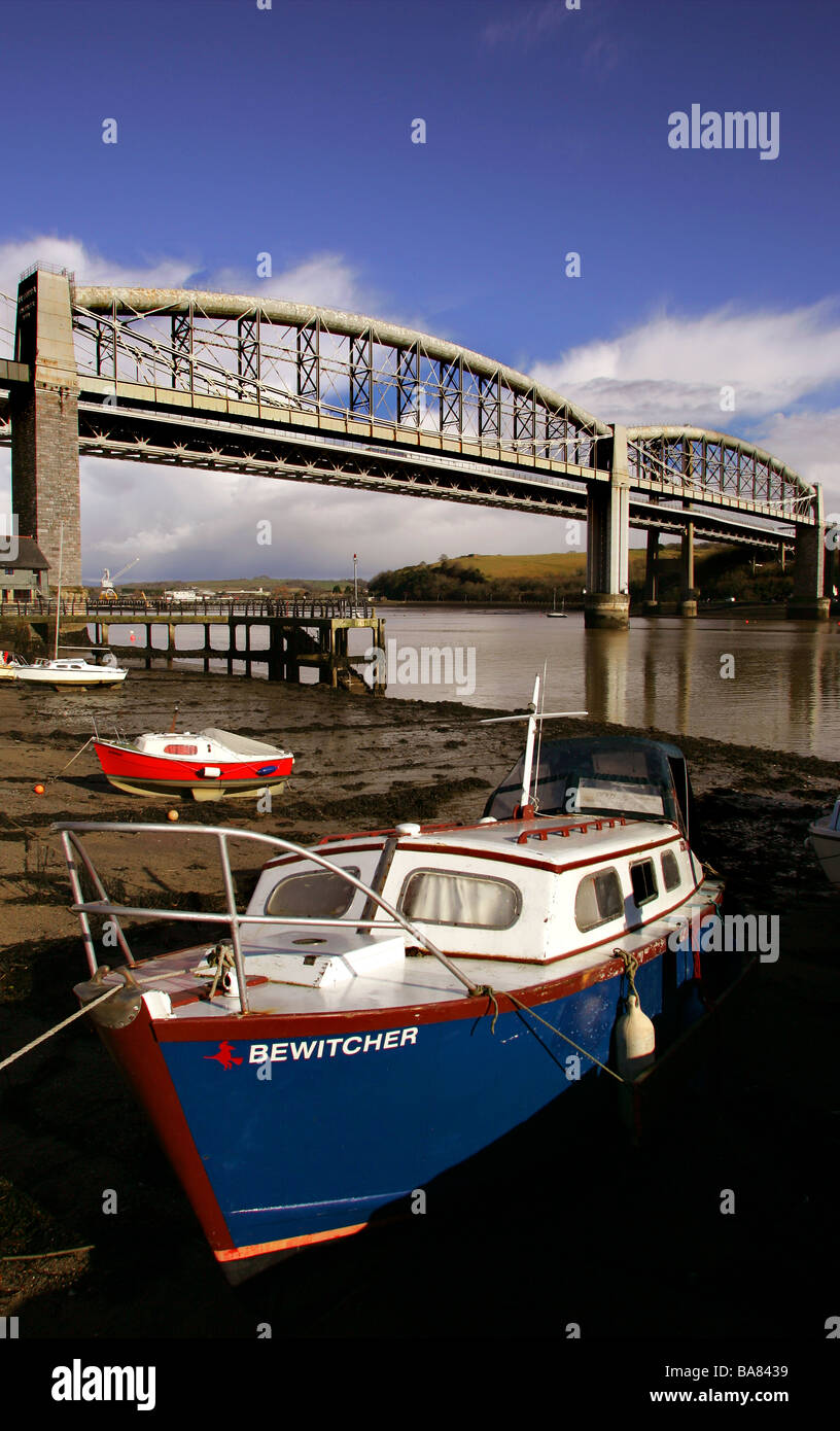 The Royal Albert Bridge that links Devon and Cornwall across the River Tamar Stock Photo