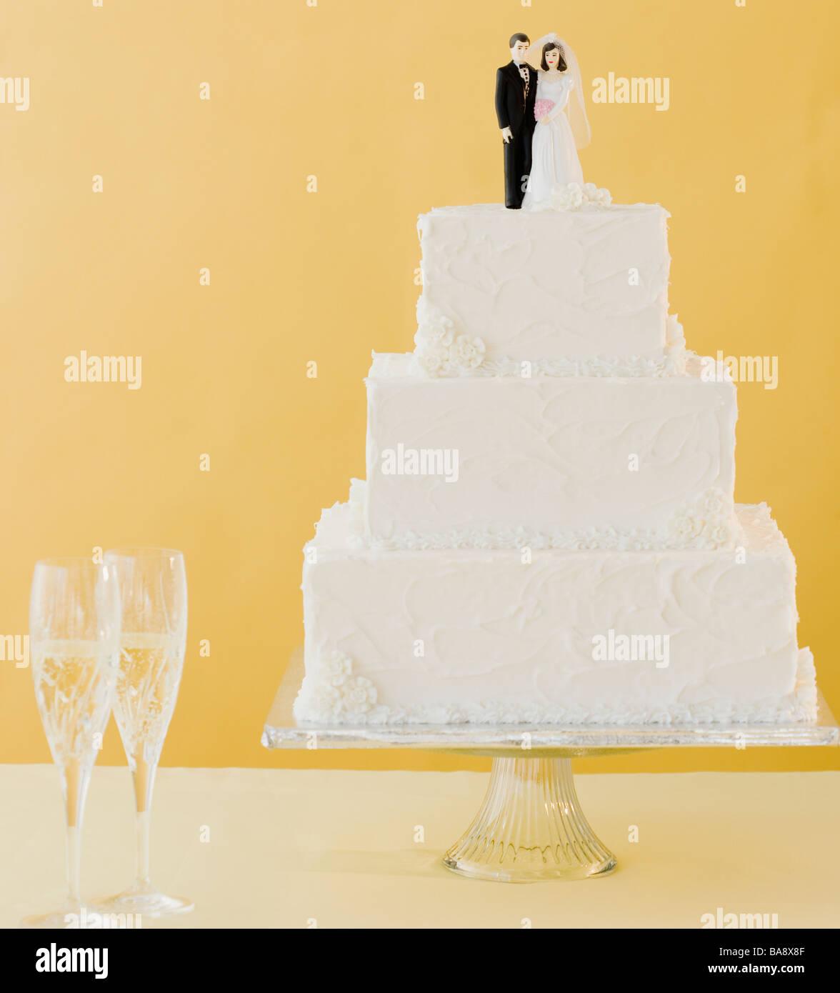Usa New City Wedding Cake Stock Photos & Usa New City Wedding Cake ...
