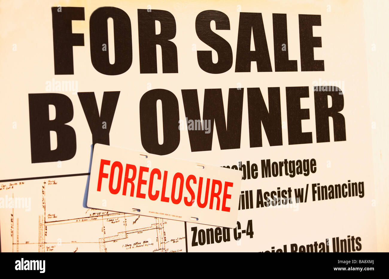 Foreclosure sale sign - Stock Image