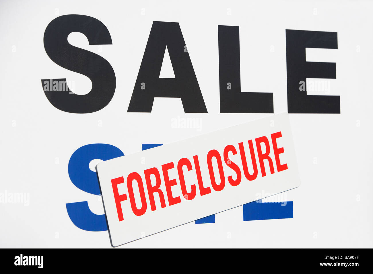 Sale foreclosure sign - Stock Image