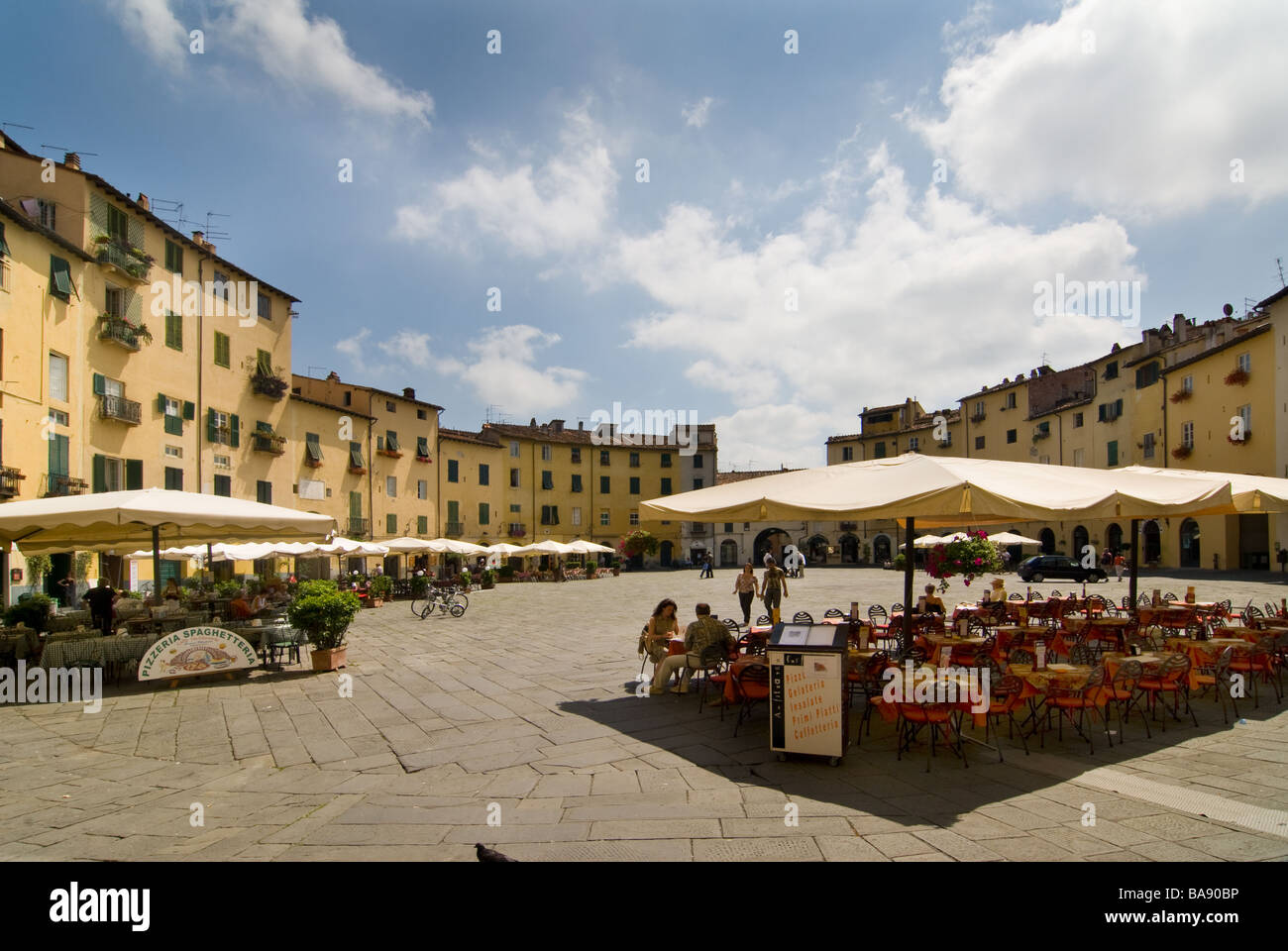 photograph of piazza anfiteatro lucca italy - Stock Image