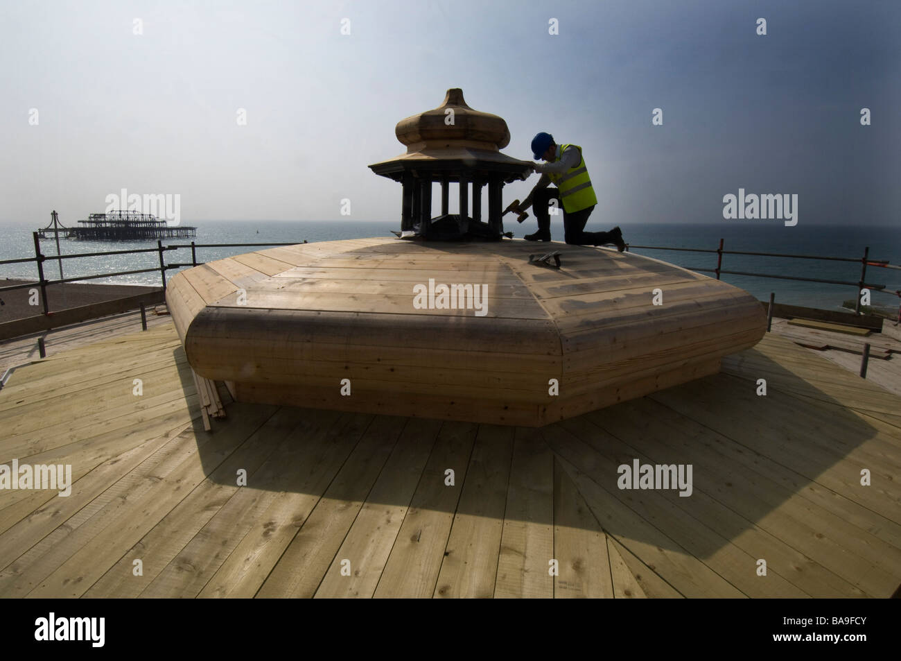 Restoration work on the roof of the bandstand on Brighton seafront. - Stock Image