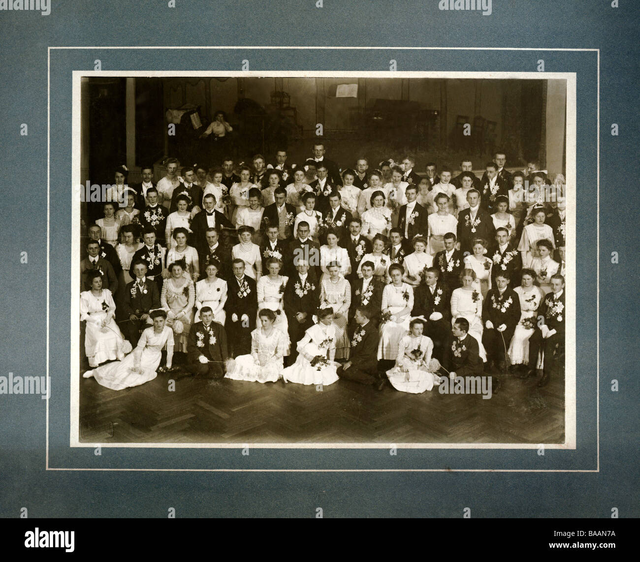 festivity, balls and parties, group picture, debutants, October 1909, Additional-Rights-Clearances-NA - Stock Image