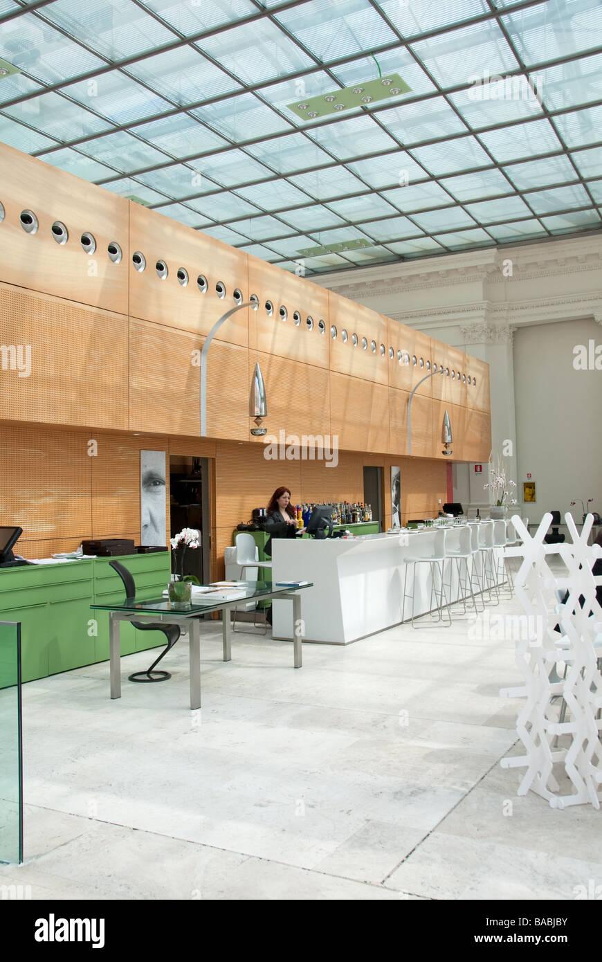 Palazzo colonna stock photos palazzo colonna stock for Palazzo delle esposizioni rome italy