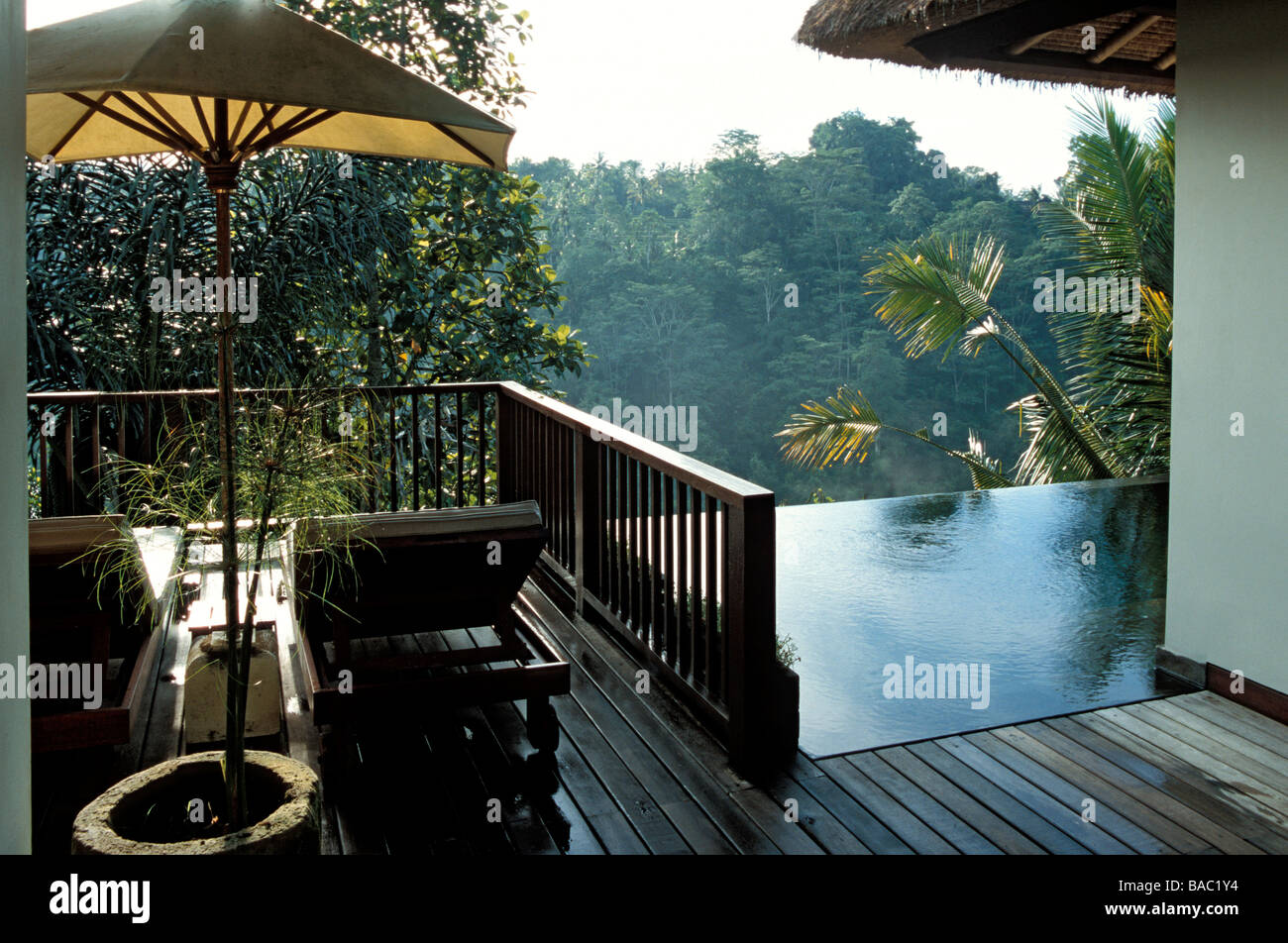 Indonesia, Bali, terrace of a Panoramic View Pool Villa Suite at the Ubud Hanging Gardens Resort, member of the - Stock Image