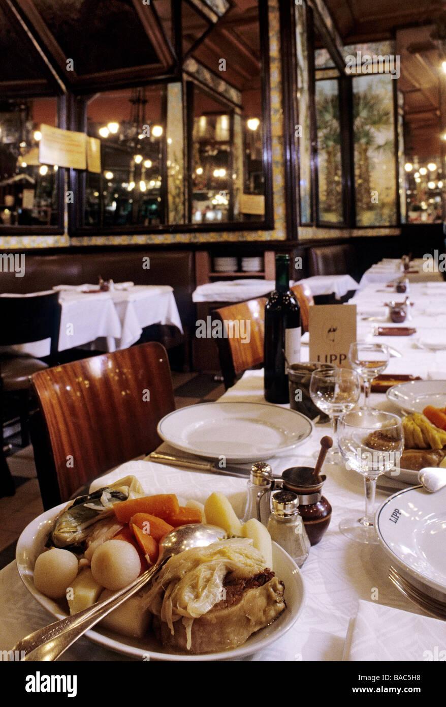 France Paris 111 Boulevard Saint Germain Lipp Restaurant Pot Au Stock Photo Alamy