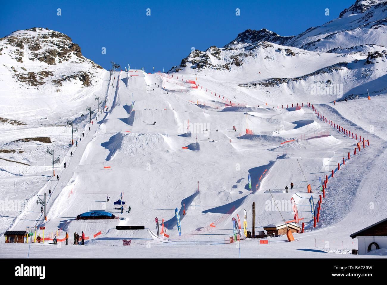 France, Savoie, Val Thorens, the snowpark de la Moutiere - Stock Image