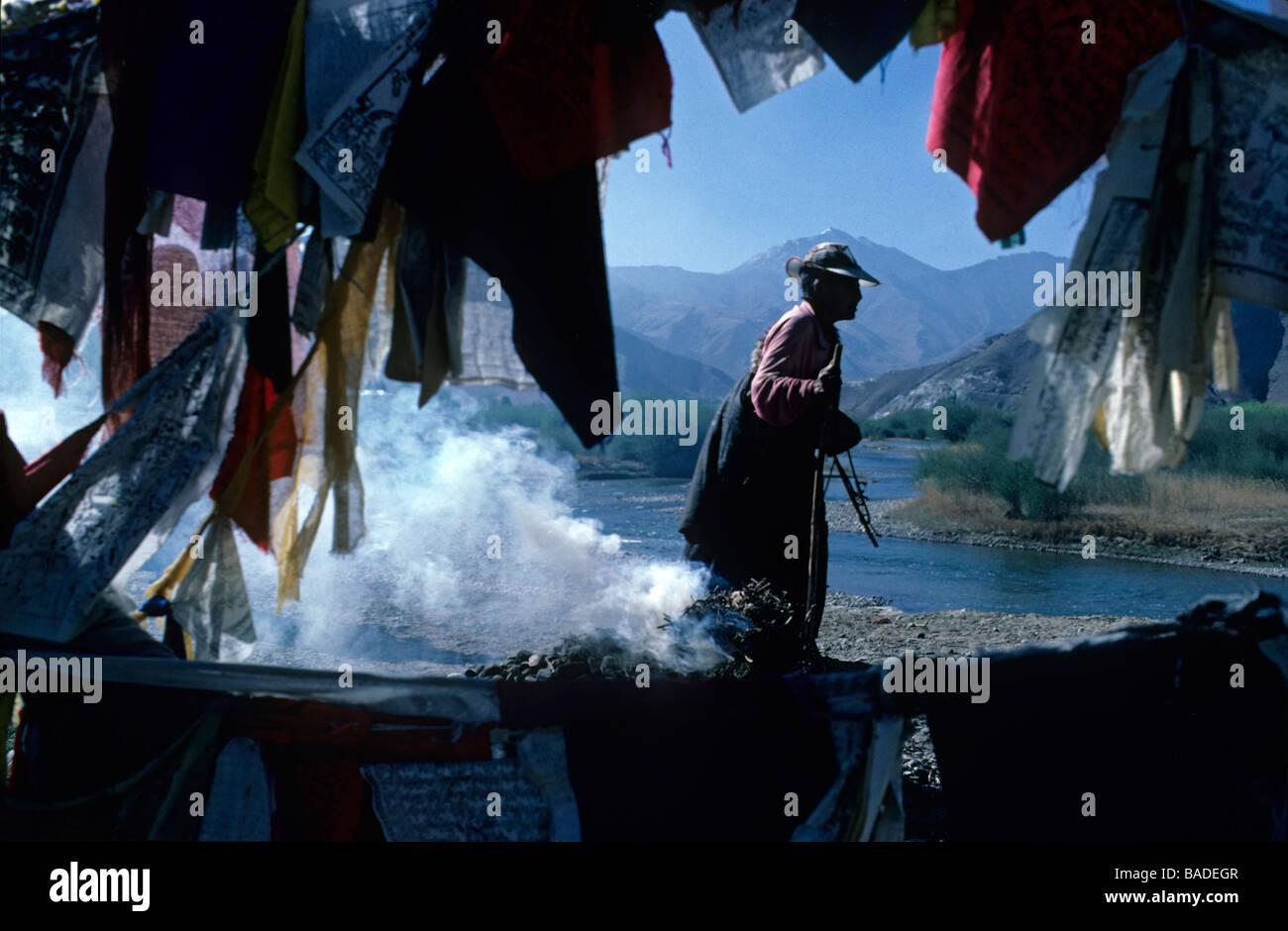 China, Tibet, Lhassa, Tibetan pilgrim - Stock Image