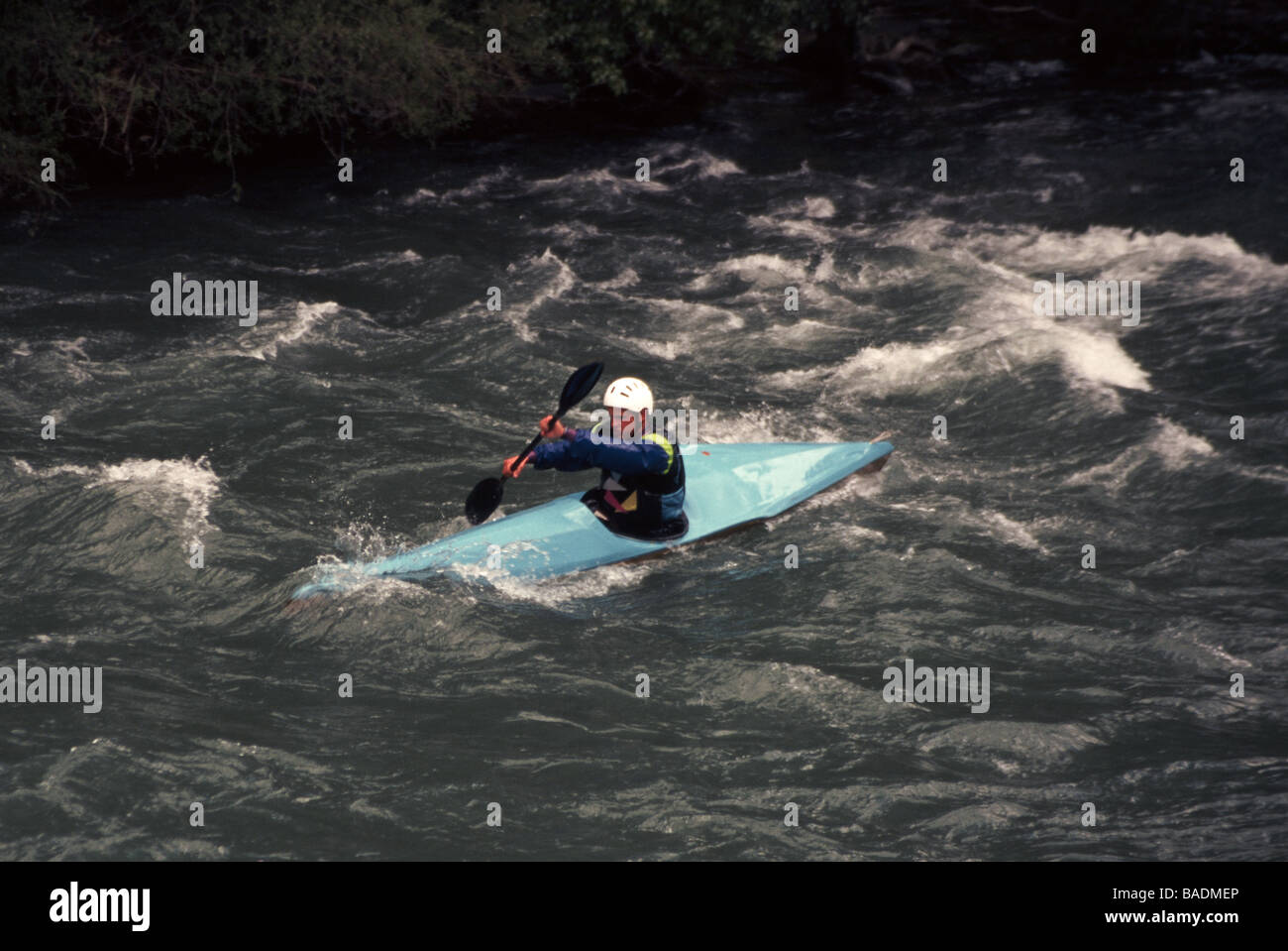 Spain.Canoeist on the River Noguera Pallaresa in the Spanish Pyrenees; - Stock Image