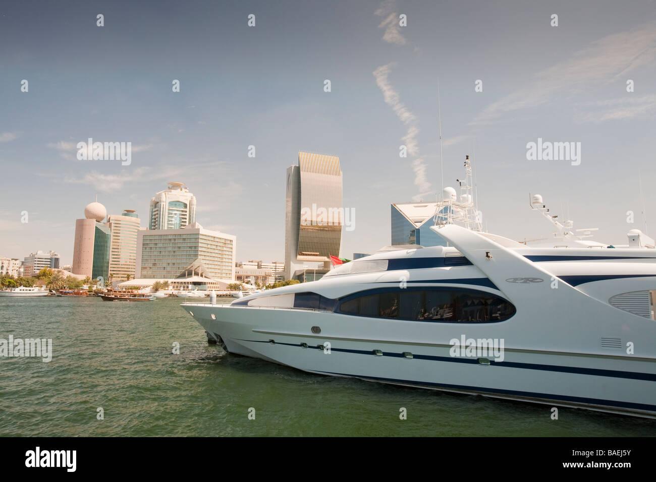 Luxury yacht on Dubai creek in Dubai - Stock Image
