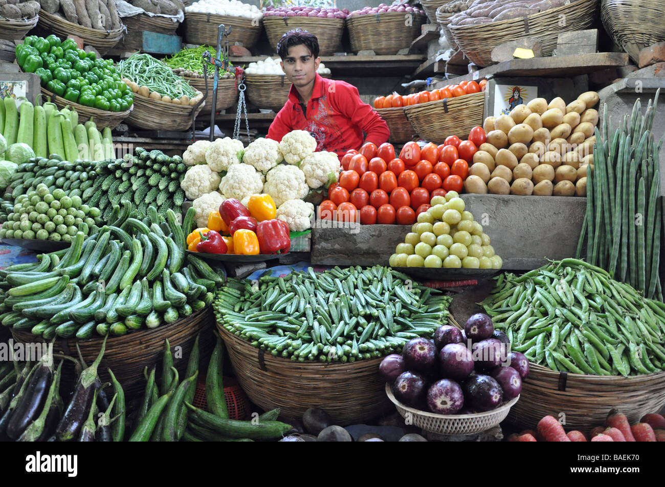 A Market Stall in Ahmedabad with artistically arranged Vegetables - Stock Image