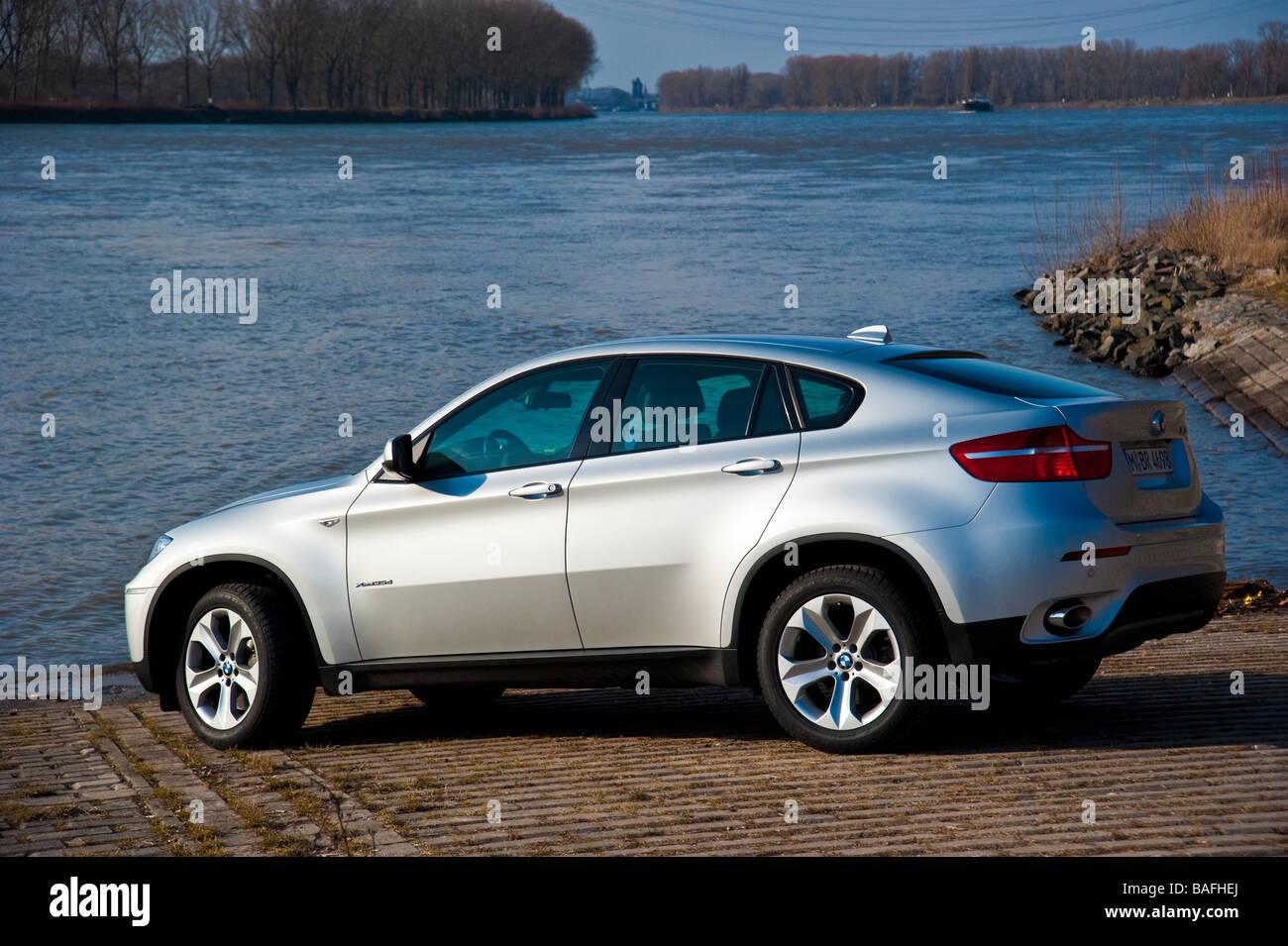 Silver Bmw X6 Side View Stock Photo 23699946 Alamy
