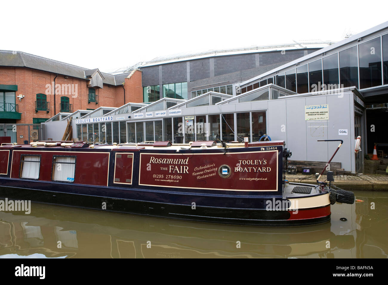The restaurant boat Rosamund the Fair moored up alongside Tooleys boatyard and canal museum Banbury - Stock Image